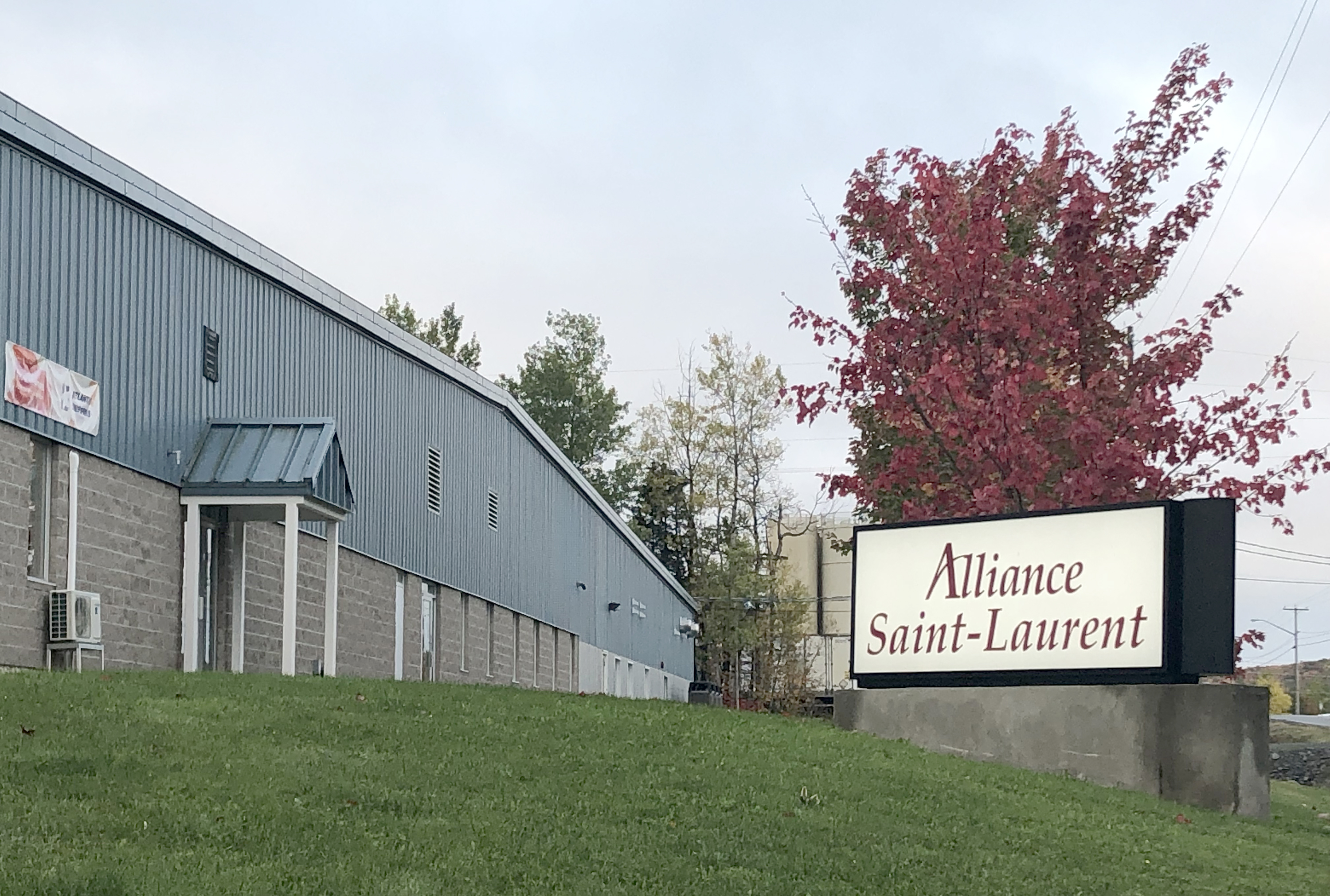 VICTORIAVILLE & CO. ACQUIERT L'USINE CANADIENNE DE MATTHEWS AURORA FUNERAL SOLUTIONS